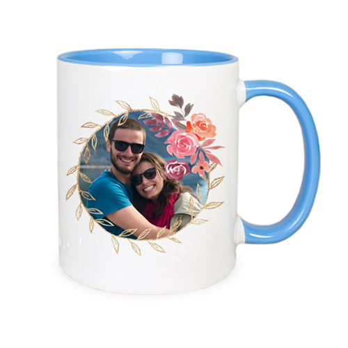 Tasse mit farbigem Griff
